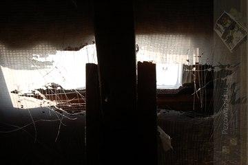Hogyan lesz a tetőfóliából pinpongháló?
