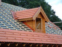 Páraáteresztő tetőfólia alkalmazása, a tetősík kiszellőztetése